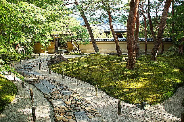 adachimuseum_chashitsumae.jpg