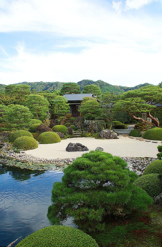 adachimuseum_ikeniwa.jpg