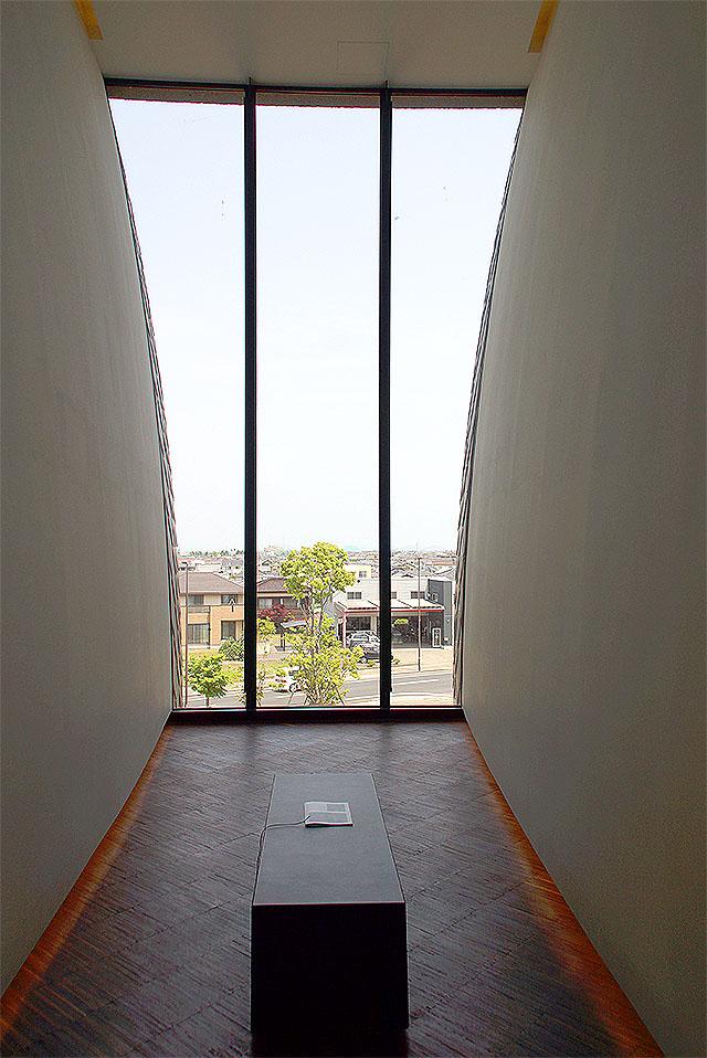 akagane_window.jpg