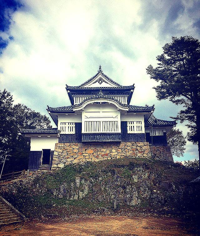 bicchumatsuyamajo_tenshu3.jpg