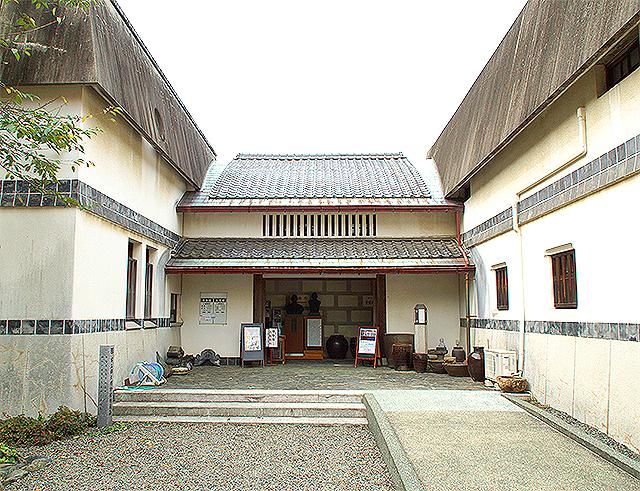 emingei_entrance0.jpg