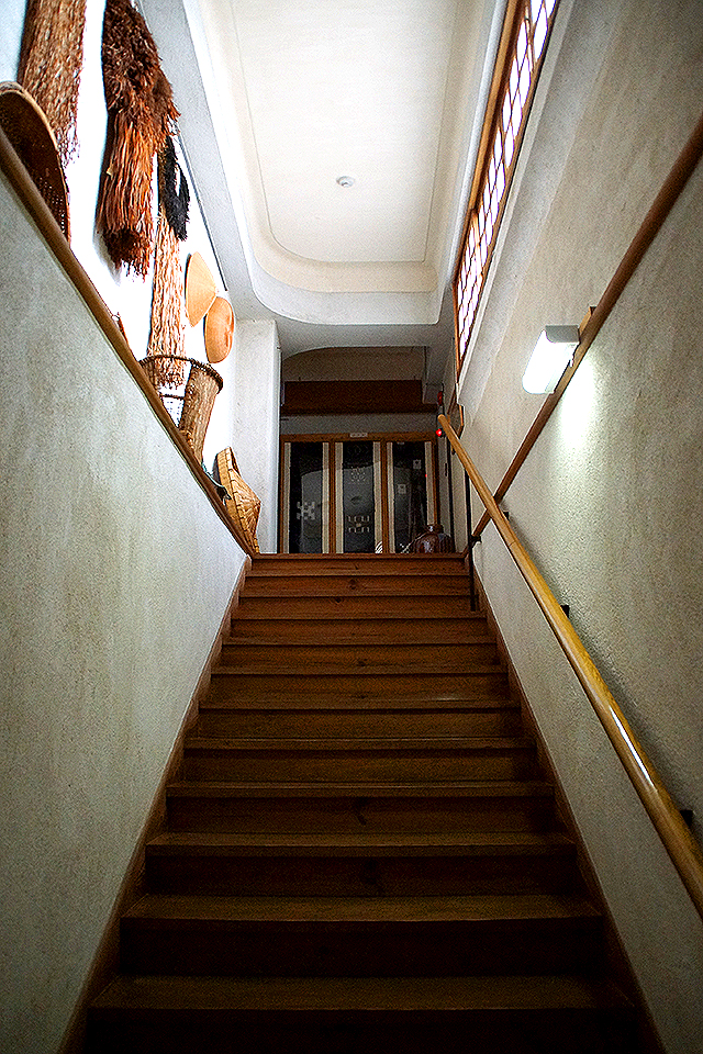 emingei_stair.jpg