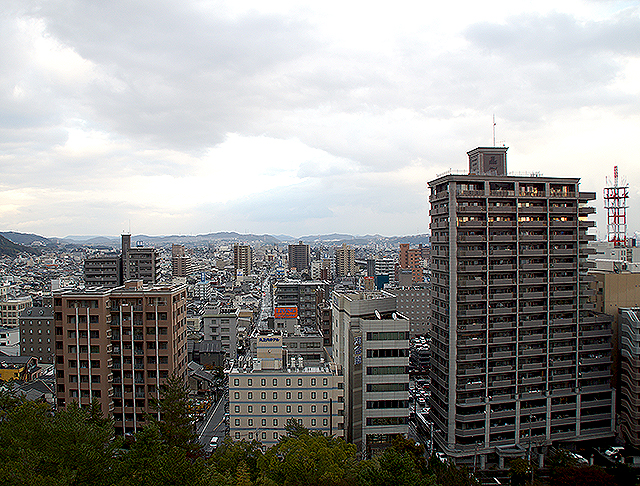 fukuyamajo_eastside.jpg
