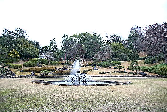 fukuyamajo_pond.jpg