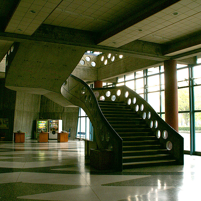 gmc_stair1a.jpg