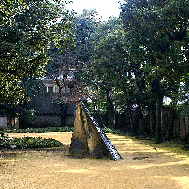 haramuseum_myway_garden1a.jpg