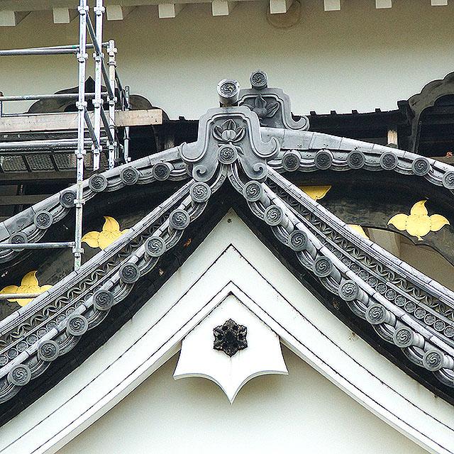 hikonejo_facade_up.jpg