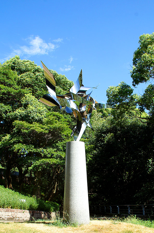hiroshimagenbi_sculpture1.jpg