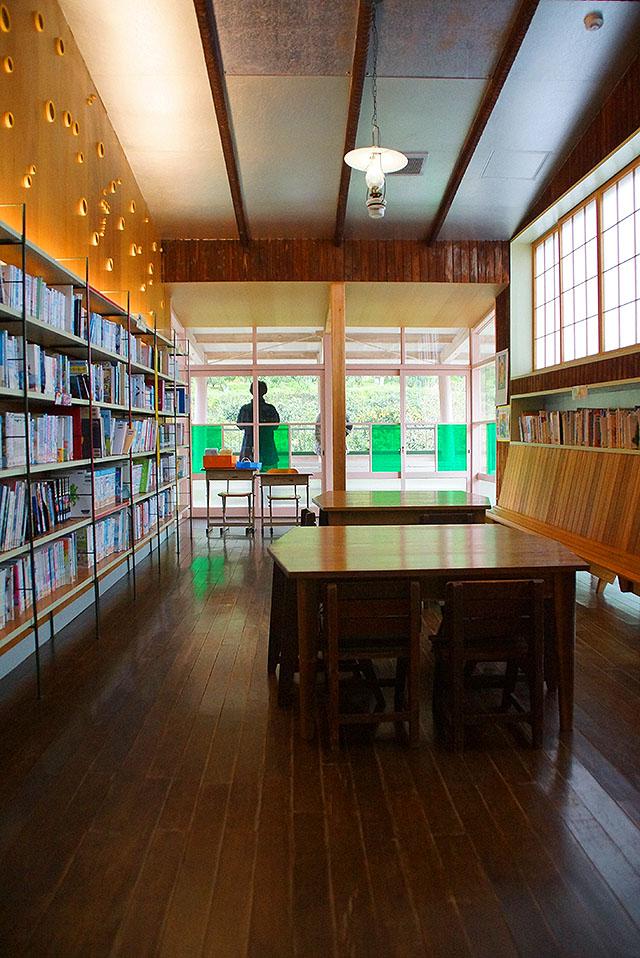 hizuchischool_east2f_library2.jpg