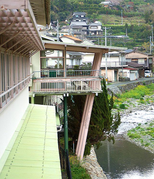 hizuchischool_east2f_veranda1.jpg
