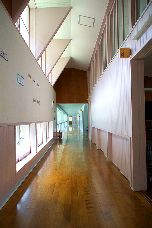 hizuchischool_middle2f_path3.jpg