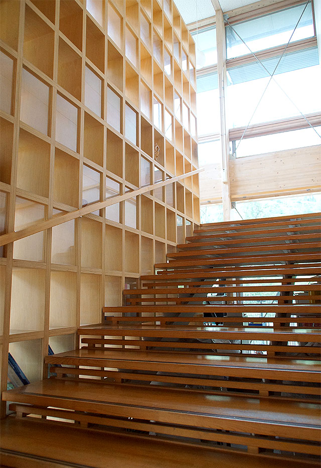 hizuchischool_west_stair.jpg
