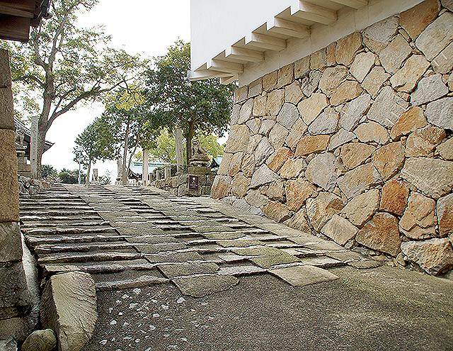imabarijo_tenshu_slope.jpg