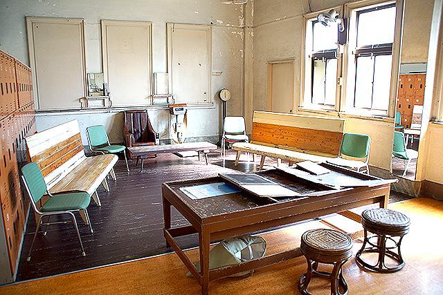 imabariradiumspa_dressroom_w1.jpg