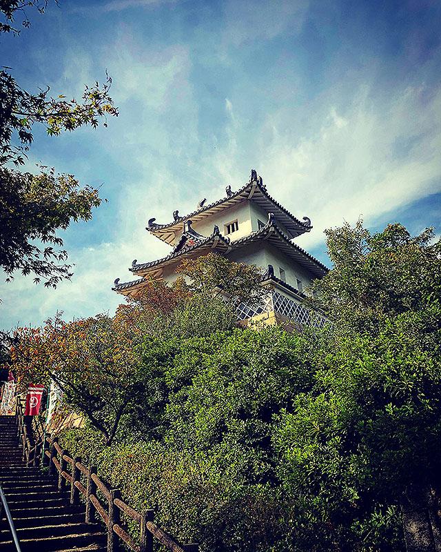 innoshimajo_tenshu1.jpg