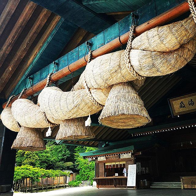 izumotaisha_kaguraden_shimenawa3.jpg