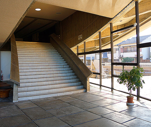 kagawagym_stair1a.jpg
