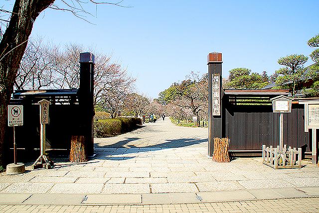 kairakuen_higashimon.jpg