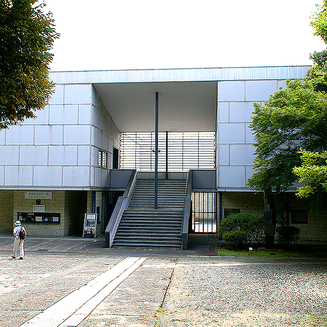 kamakuramuseum_facade2a.jpg