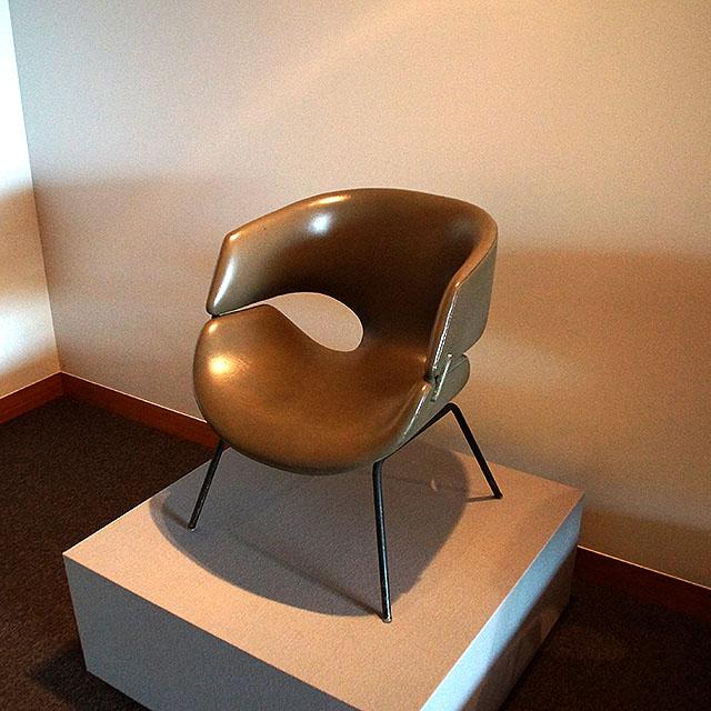 kenmochi_chair2.jpg