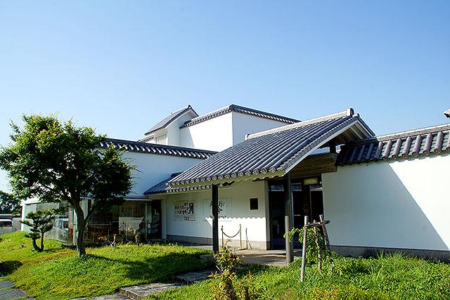 kyuman_facade.jpg