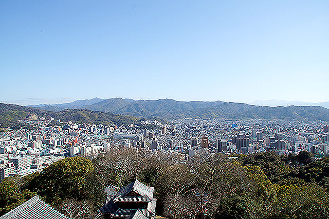 matsuyamajo_honmaru_eastview.jpg