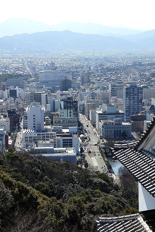 matsuyamajo_honmaru_southwestview.jpg