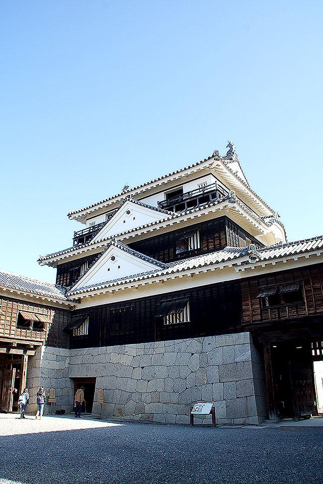 matsuyamajo_honmaru_tenshu4.jpg