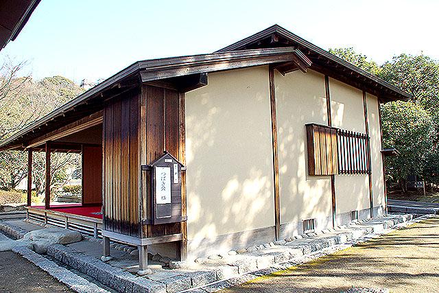 matsuyamajo_ninomaru_jurakutei.jpg