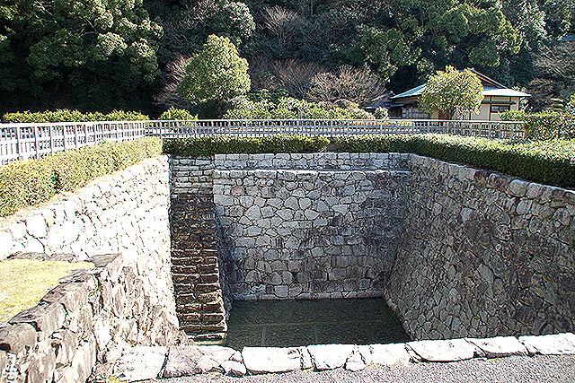 matsuyamajo_ninomaru_oido3.jpg