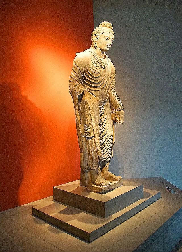 mihomuseum_buddha2.jpg