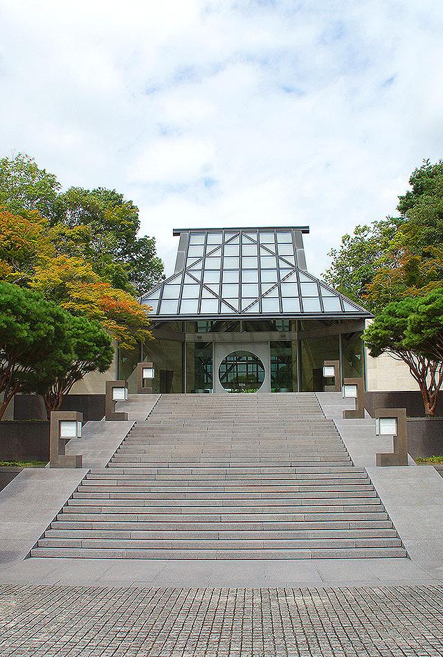 mihomuseum_entrance.jpg