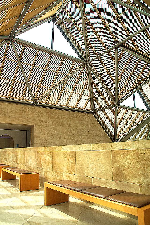 mihomuseum_roof.jpg