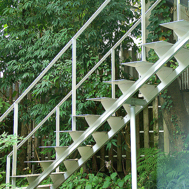 mmmuseum_stair_outside2.jpg