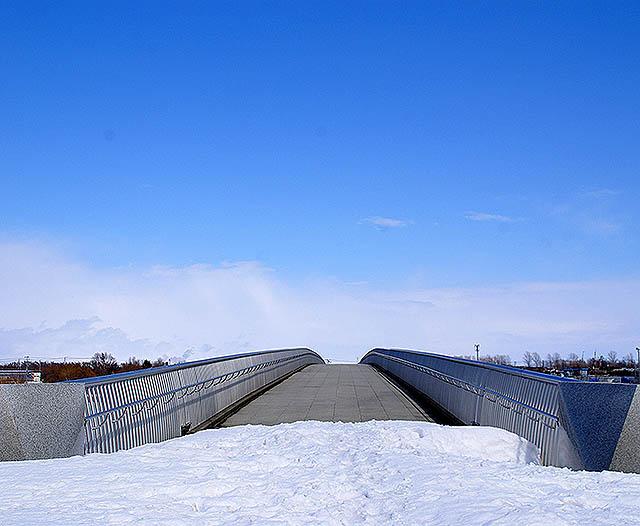 moerenuma_bridge2a.jpg
