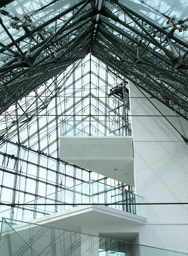 moerenuma_glasspylamid_roof1a.jpg