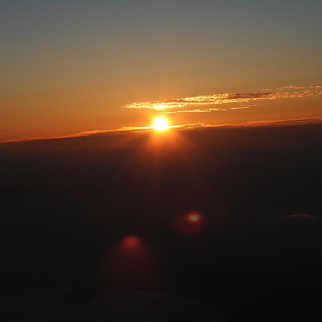 mtfuji_sunrise3a.jpg