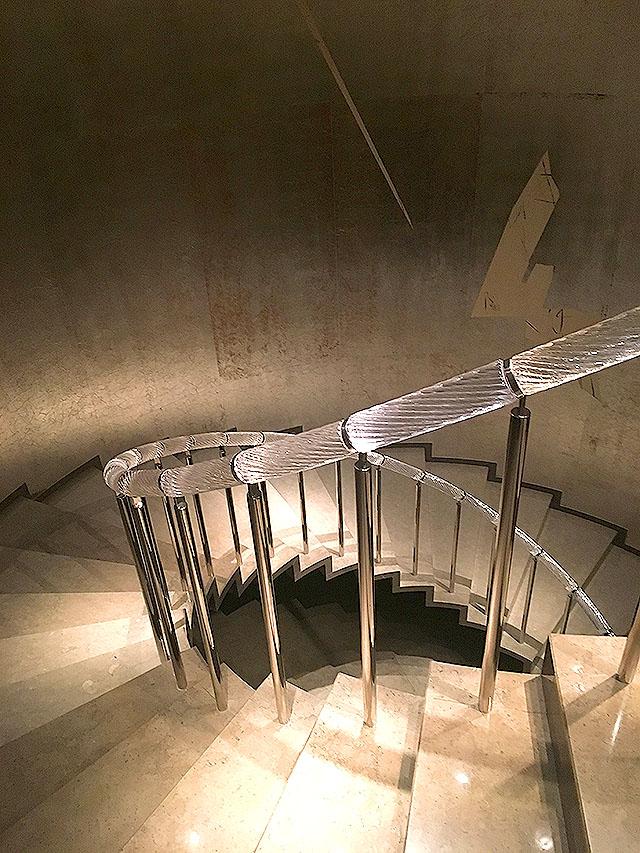 museetomo_stair.jpg