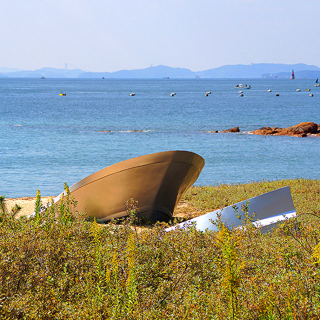 naoshima_benesse_silverboat1a.jpg