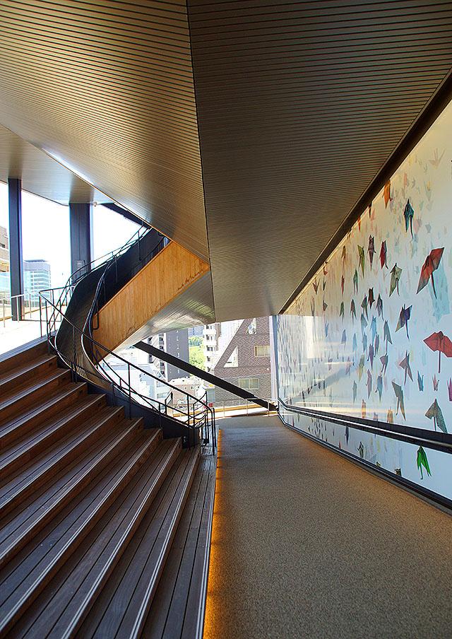 orizurutower_stair2.jpg
