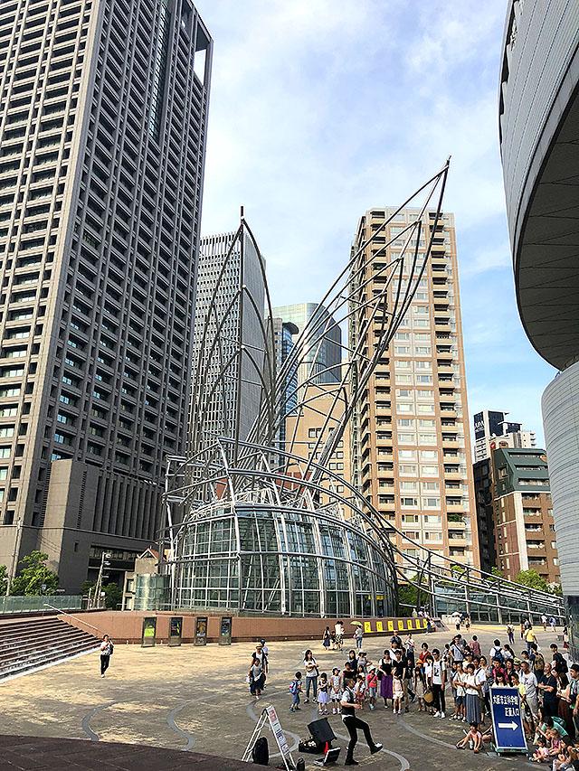 osakamuseum_outside2.jpg