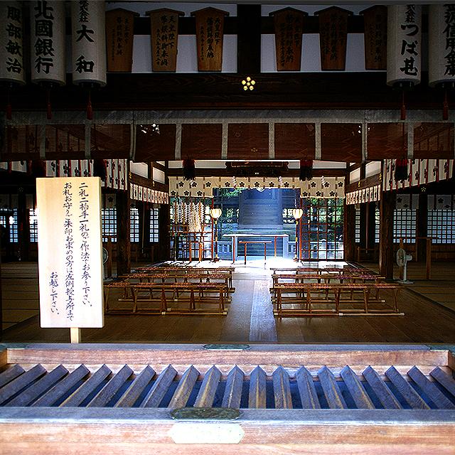 oyamajinja_honden.jpg