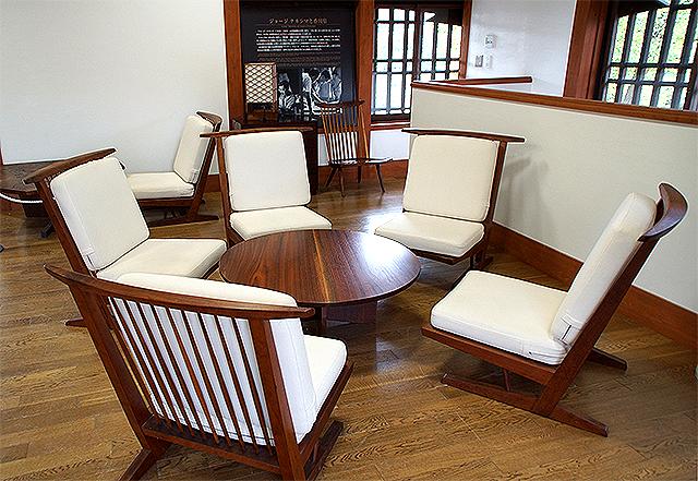 ritsurinpark_ssk_chair2.jpg