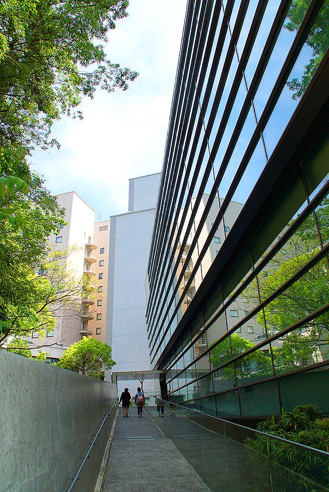 sakakumomuseum_entrance.jpg
