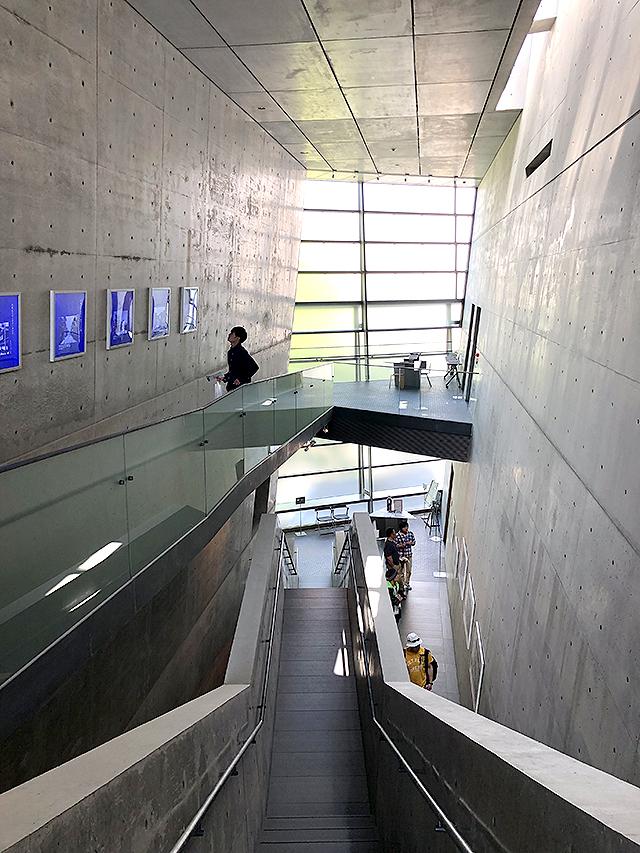 sakakumomuseum_stair3b.jpg