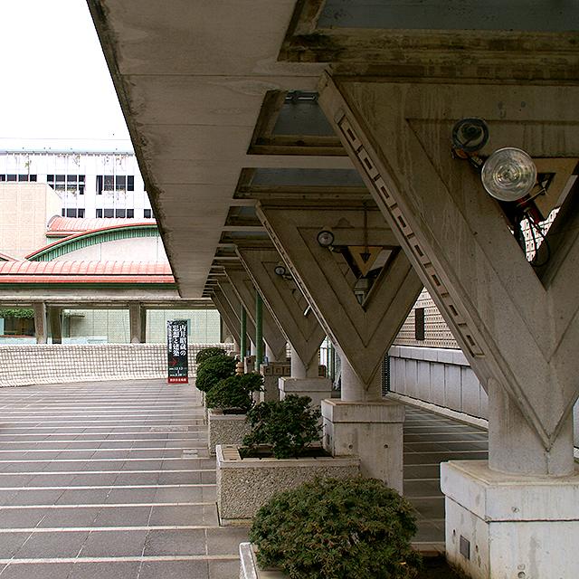setagayamuseum_uchii_piller.jpg