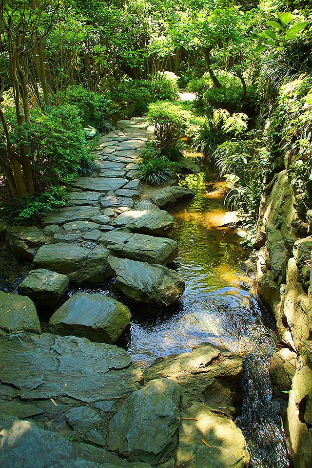 shikokumura_waterpath.jpg