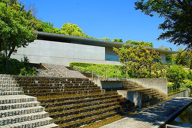 shikokumuragallery_garden1.jpg