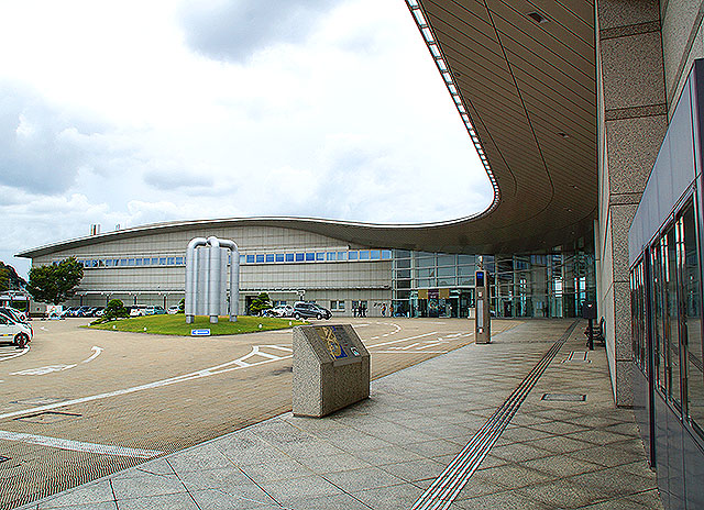 shimanemuseum_facade.jpg