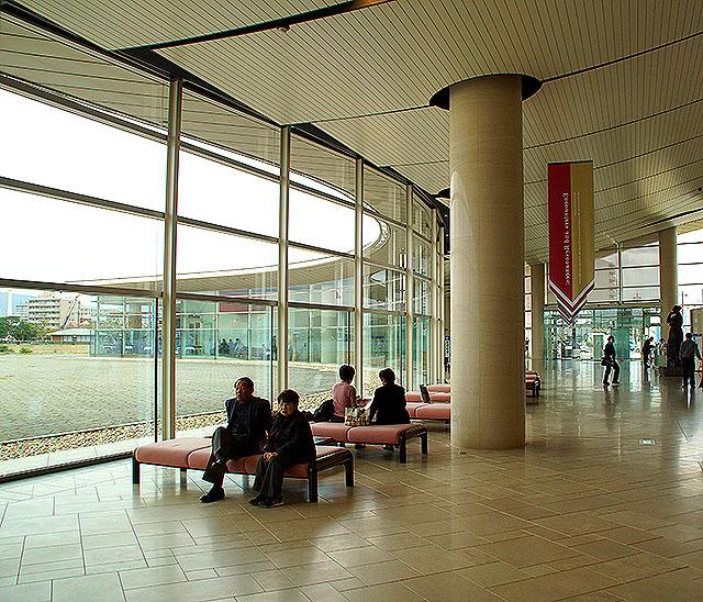 shimanemuseum_lobby2a.jpg